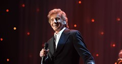 Barry Manilow comes out two years after marrying husband
